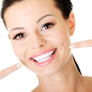 Whiter-teeth-help-to-build-confidence